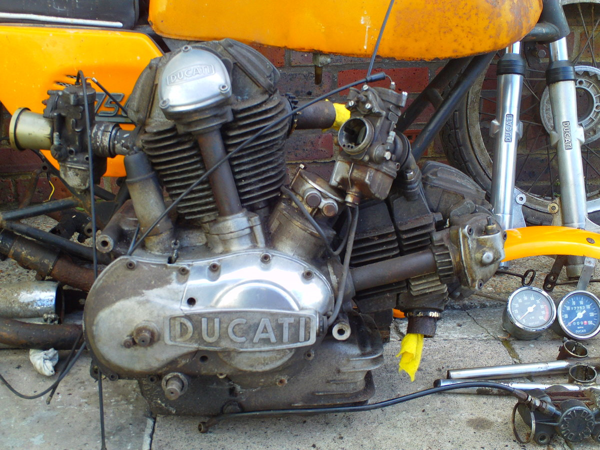 1974 DUCATI 750 SPORT  ROUND CASE BEVEL SOLD (picture 6 of 6)