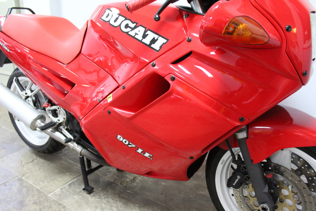 1991 Ducati 907 IE (Injection) 17,714 miles with History For Sale (picture 3 of 6)