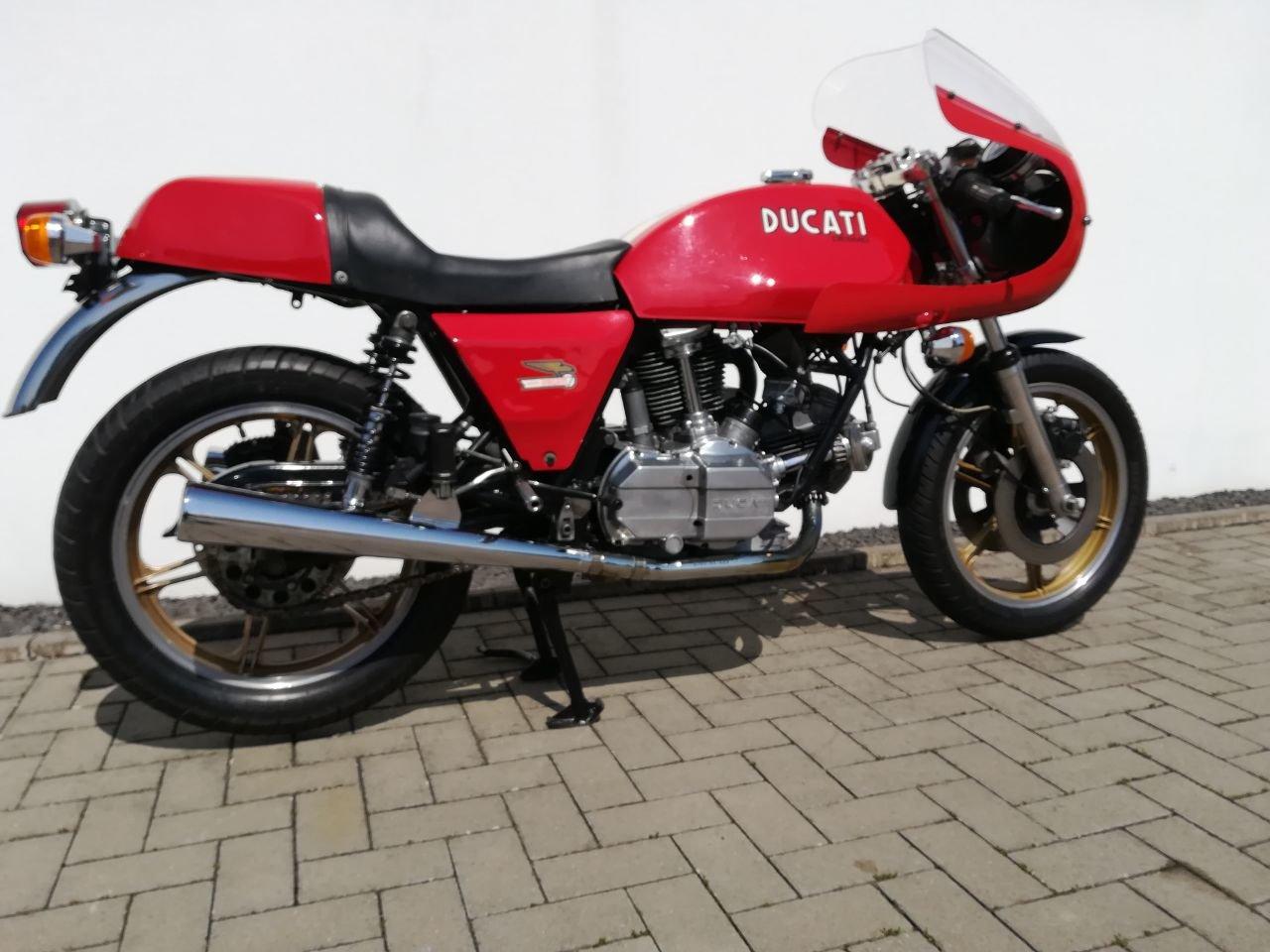 1983 Ducati 900 SS / D Imola Replica Bevel Desmo For Sale (picture 3 of 6)