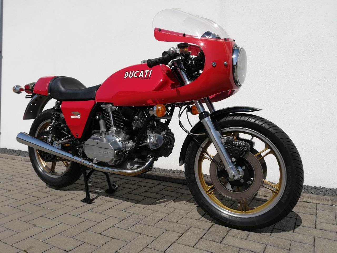 1983 Ducati 900 SS / D Imola Replica Bevel Desmo For Sale (picture 4 of 6)