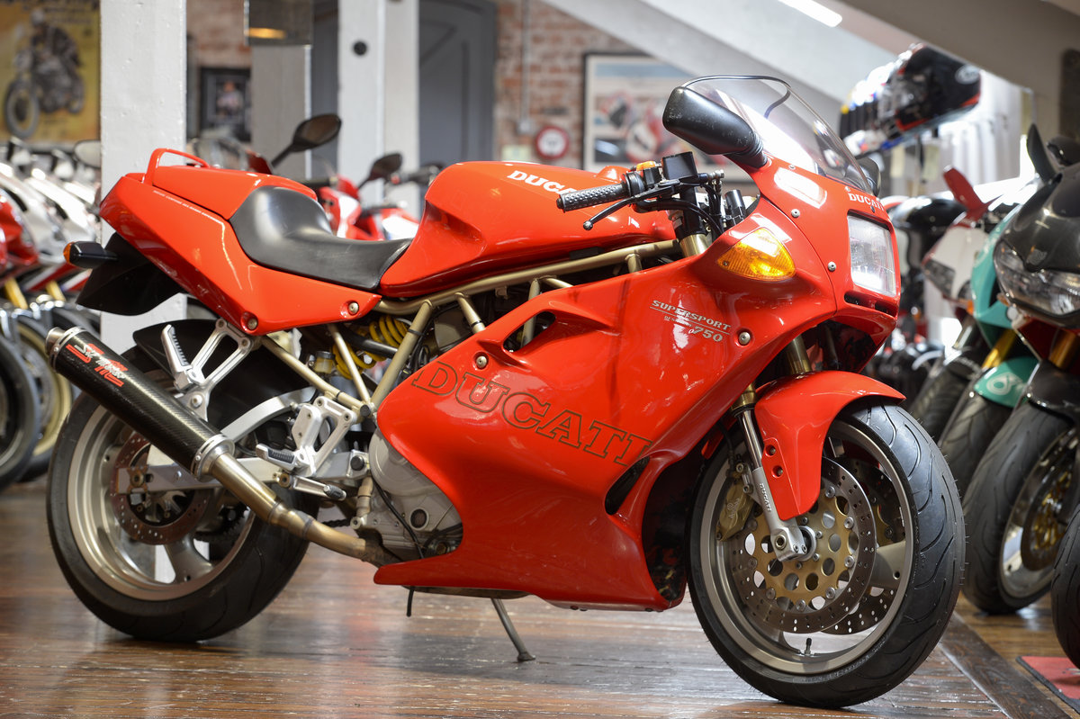 1998 Ducati 750SS LOW MILEAGE EXAMPLE ONLY 10,050 MILES For Sale (picture 1 of 6)