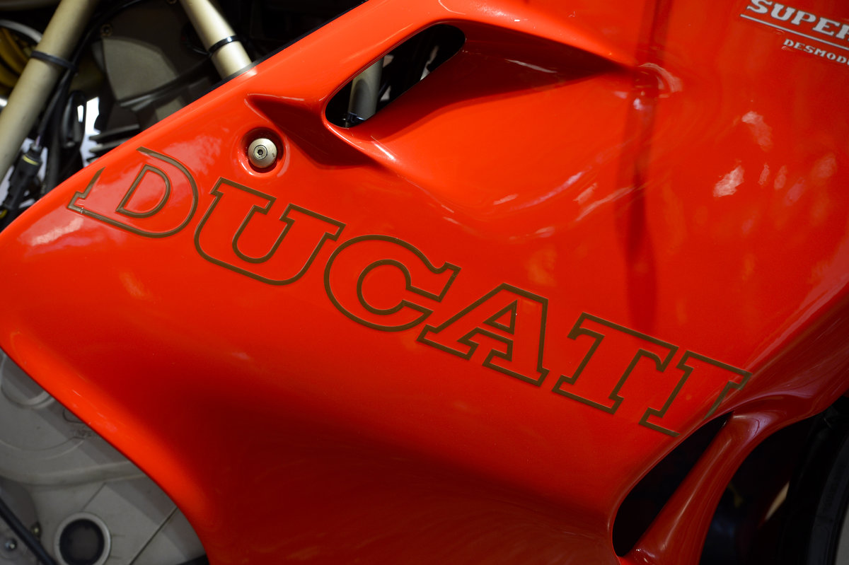 1998 Ducati 750SS LOW MILEAGE EXAMPLE ONLY 10,050 MILES For Sale (picture 4 of 6)
