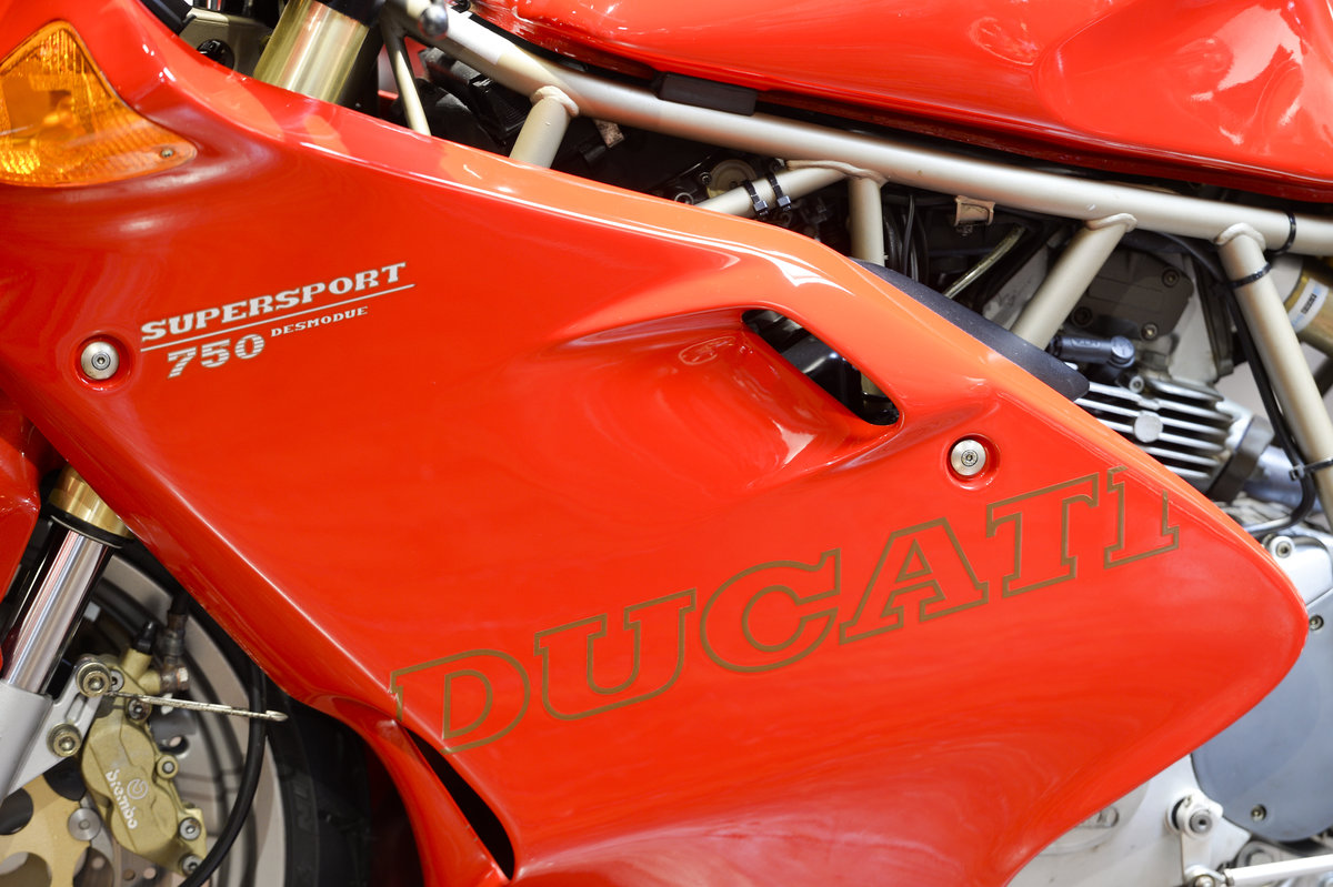 1998 Ducati 750SS LOW MILEAGE EXAMPLE ONLY 10,050 MILES For Sale (picture 5 of 6)