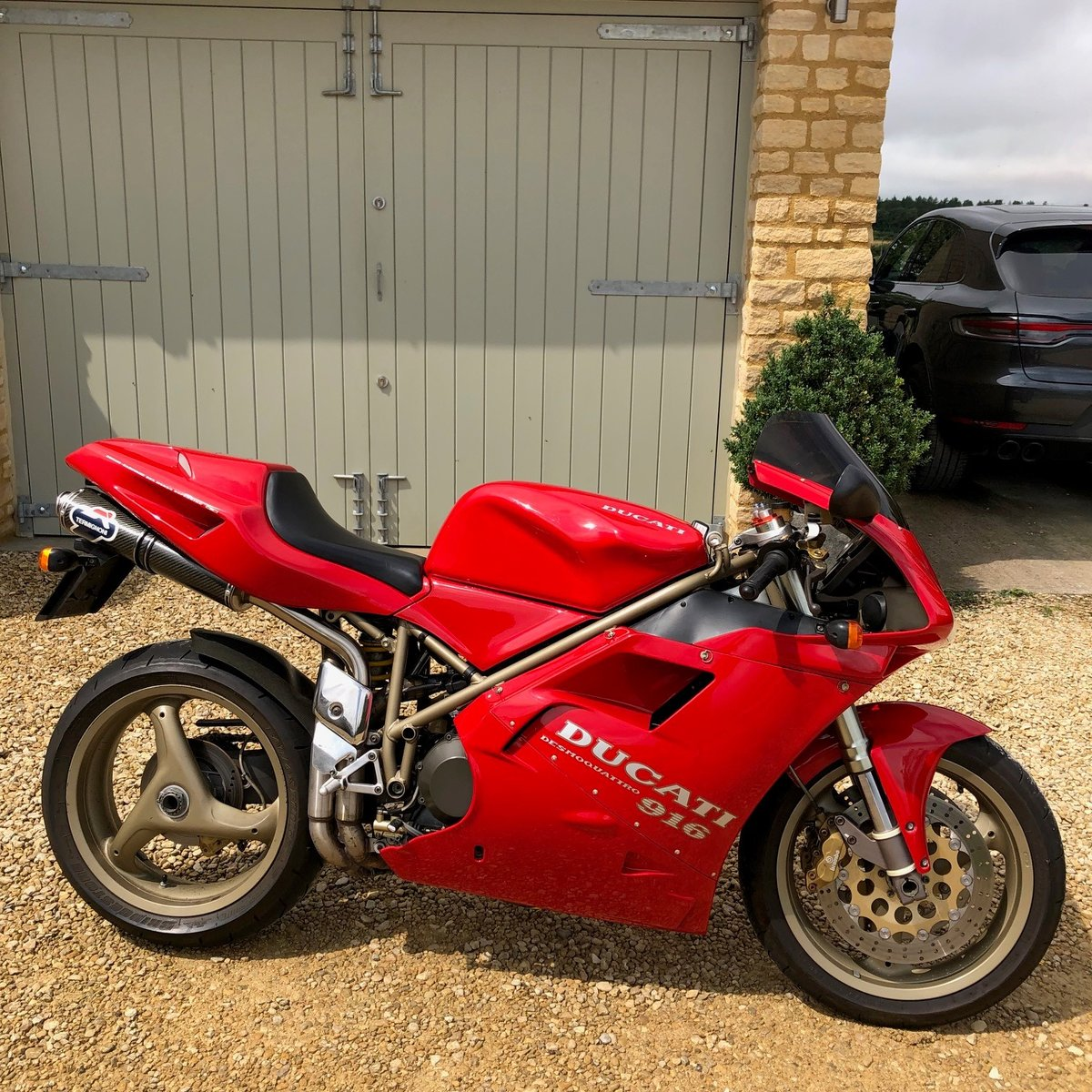 1997 Ducati 916 Low mileage, low owners, unmolested SOLD (picture 1 of 6)