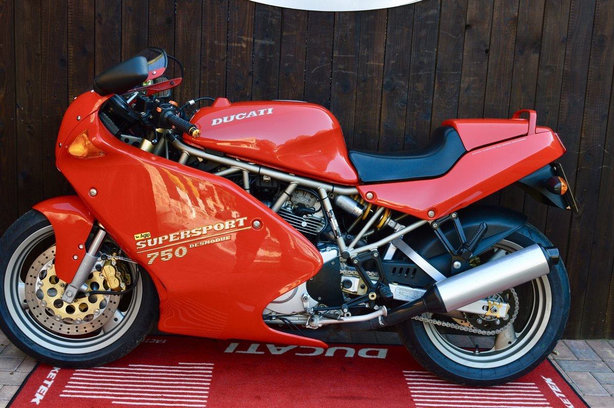 1994 Ducati 750ss, only 15,000 genuine,Stunning For Sale (picture 2 of 6)