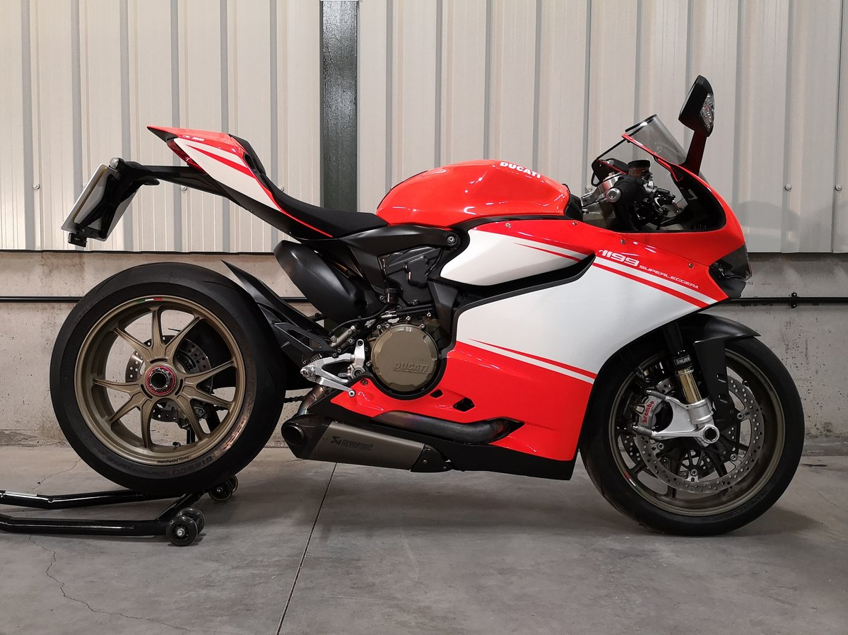 2014 Ducati Panigale Superleggera 1199 SOLD (picture 1 of 6)