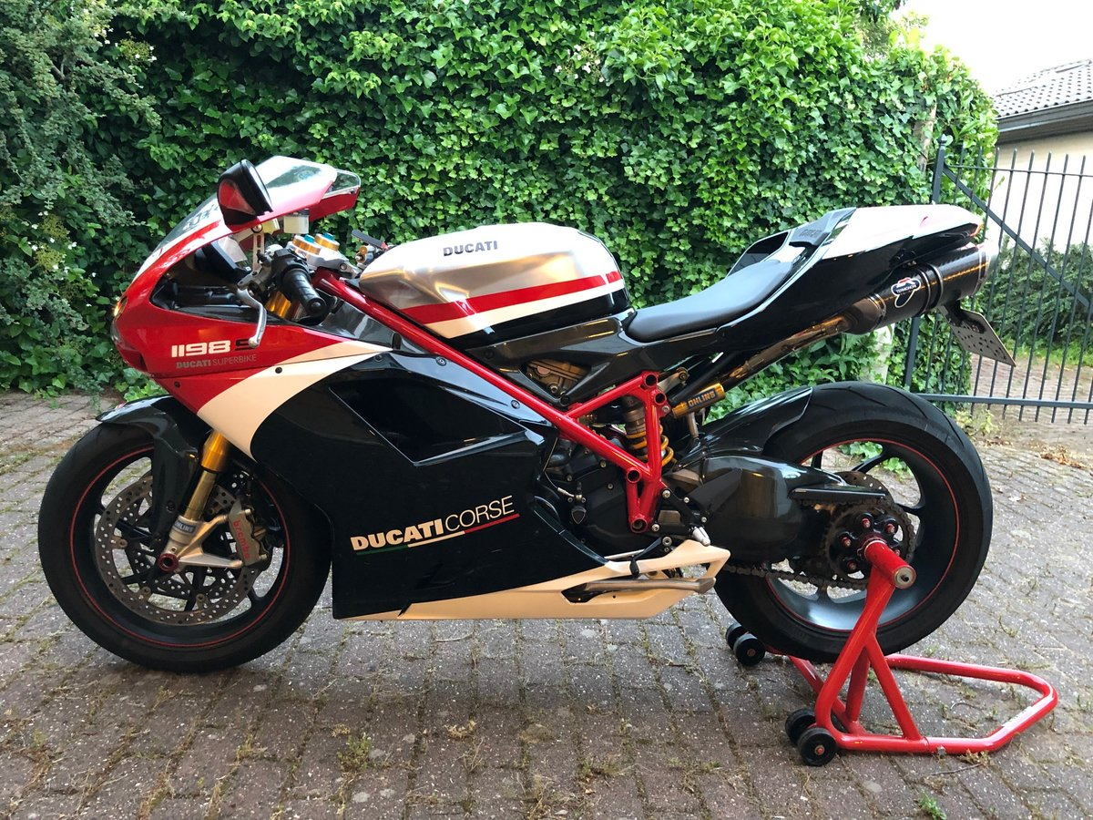 Absolutely amazing Ducati 1198S Corse Special Edition 2011 SOLD (picture 1 of 6)