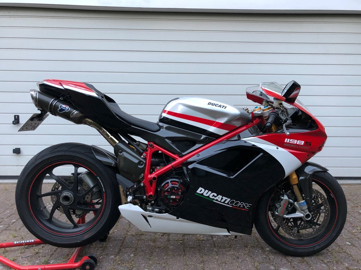 Absolutely amazing Ducati 1198S Corse Special Edition 2011 SOLD (picture 2 of 6)