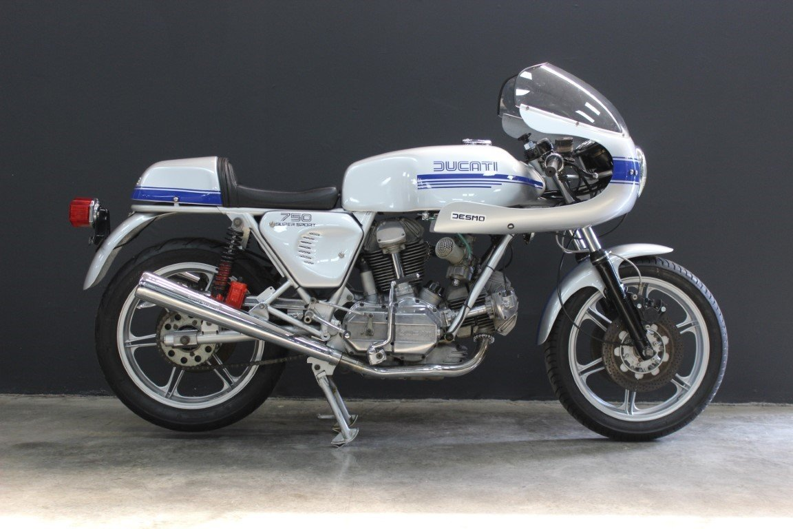 1977 DUCATI 750 SUPER SPORT SQUARE CASE 750cc Motorcycle For Sale by Auction (picture 2 of 4)