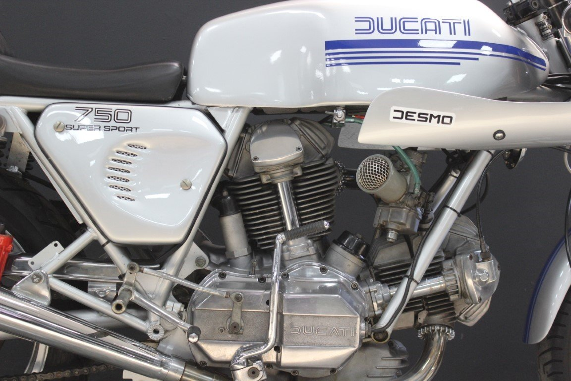 1977 DUCATI 750 SUPER SPORT SQUARE CASE 750cc Motorcycle For Sale by Auction (picture 4 of 4)