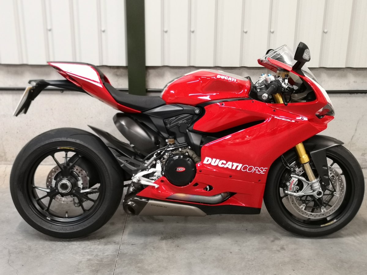 2017 Ducati 1199R Panigale Mk11  SOLD (picture 1 of 6)