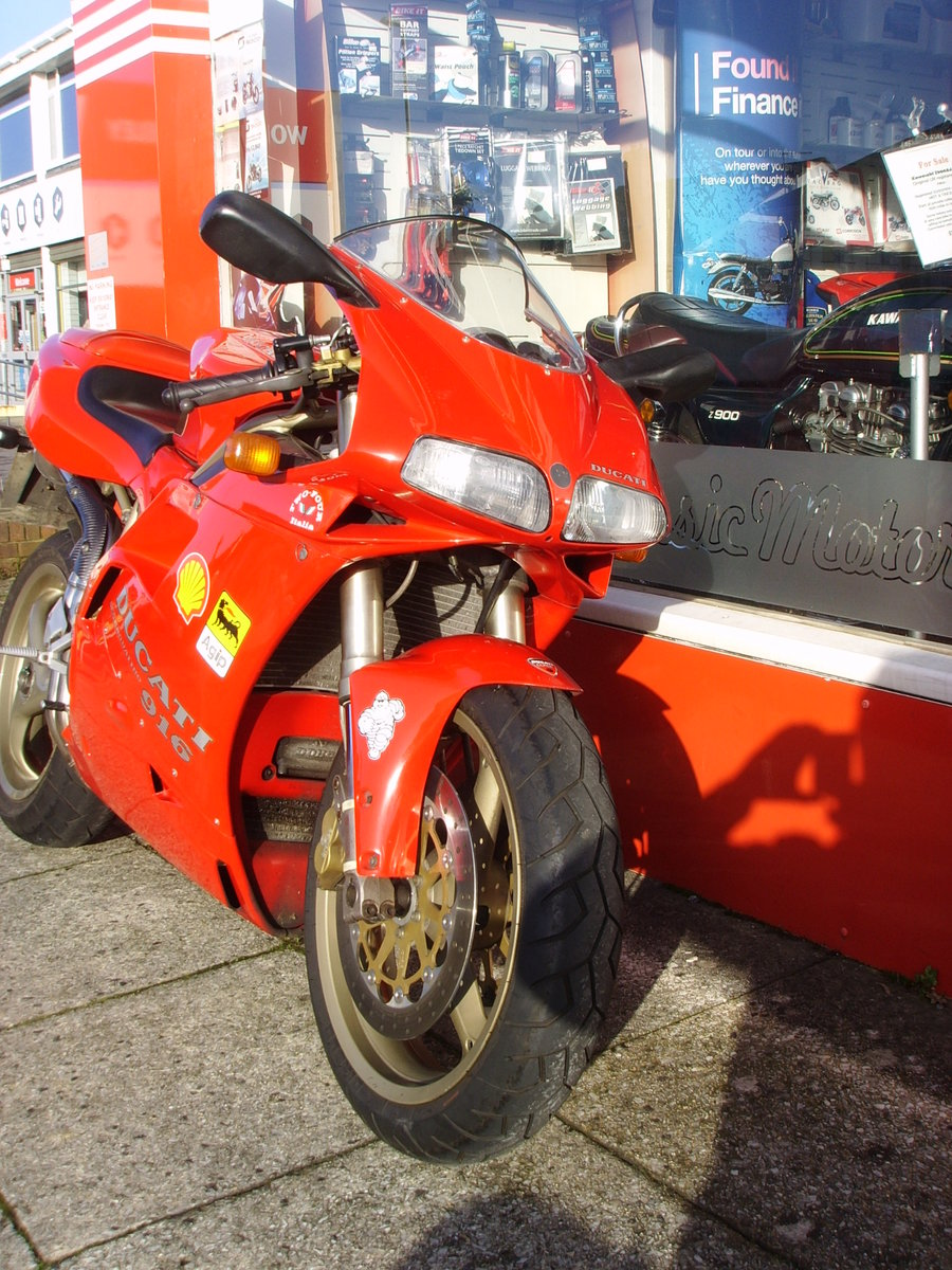1997 Ducati 916 Biposto 2 previous owners Iconic Classic For Sale (picture 2 of 6)
