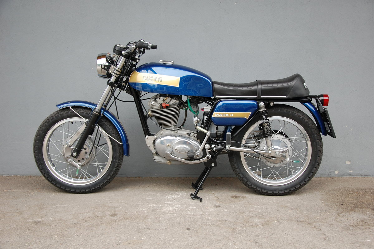 1974 Ducati Mark 3 fully restored with desmo engine For Sale (picture 2 of 6)