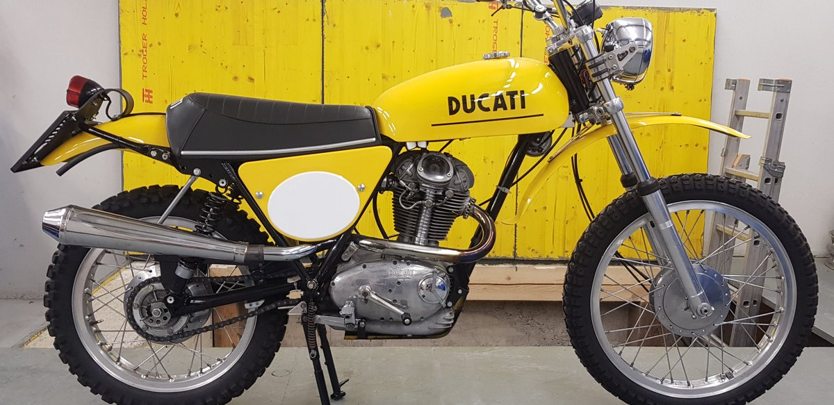 1975 Ducati 450 RT desmo For Sale (picture 1 of 6)