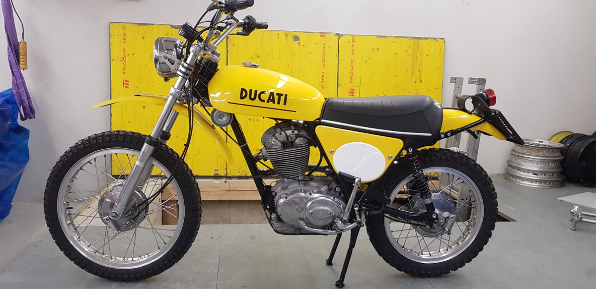 1975 Ducati 450 RT desmo For Sale (picture 2 of 6)