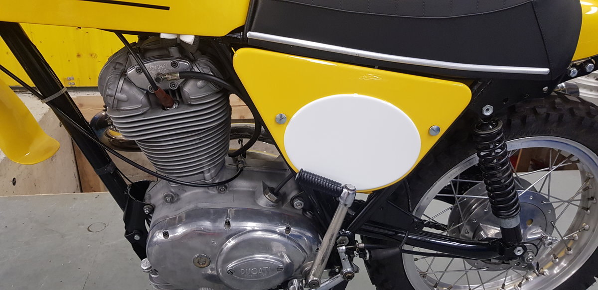 1975 Ducati 450 RT desmo For Sale (picture 3 of 6)