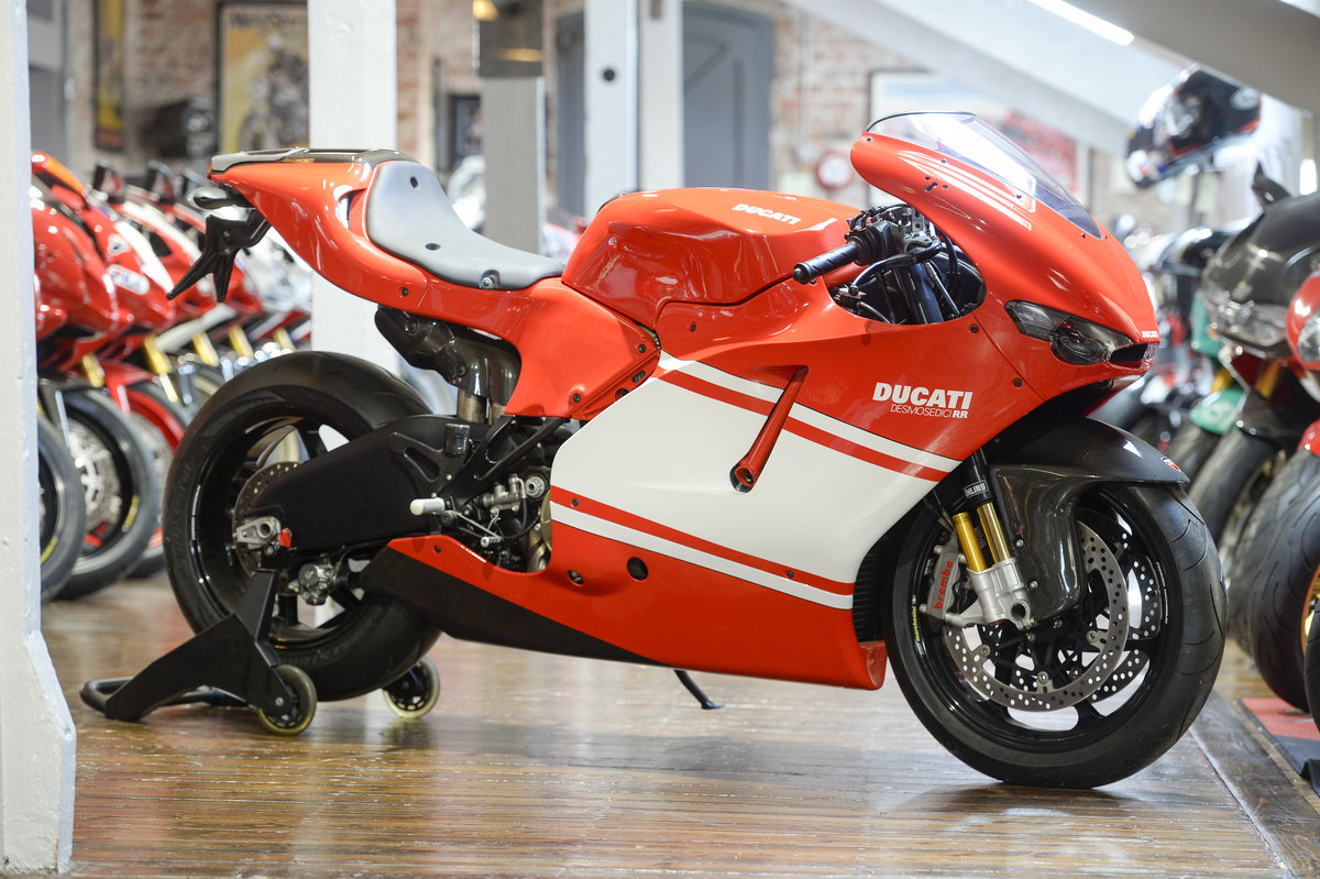 2008 DUCATI DESMOSEDICI TEAM VERSION Brand New Old Stock For Sale (picture 1 of 6)