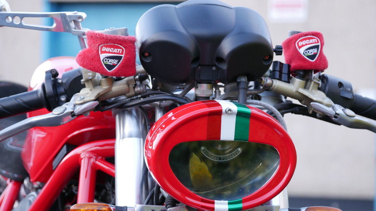 2001 Ducatti Cafe Racer based on Ducati Monster 916 Sel For Sale (picture 4 of 6)