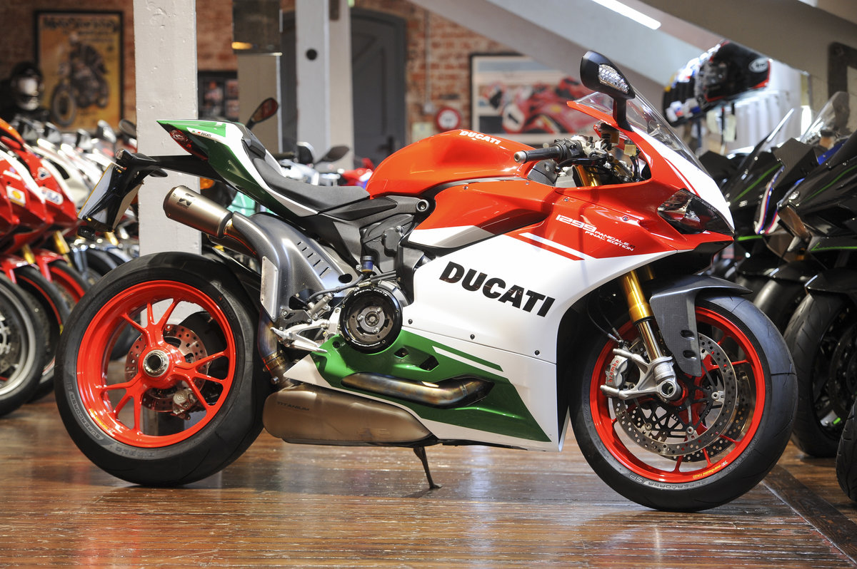 2018 Ducati 1299 PanigalFinal Edition No: #868 only 1,114 miles   For Sale (picture 1 of 6)