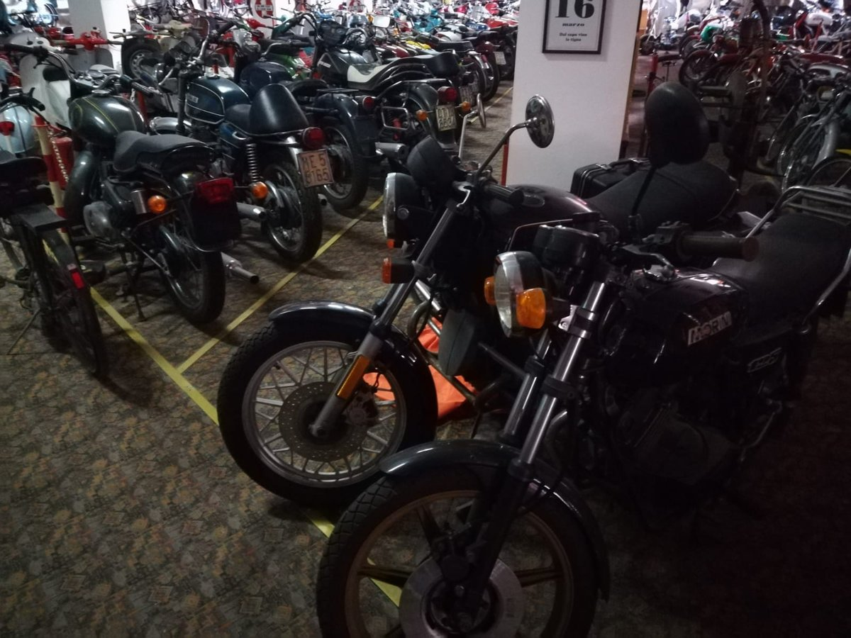 0000 Ducati,Benelli,MvAgusta,yamaha,Bianchi,Mondial,Gilera For Sale (picture 4 of 6)