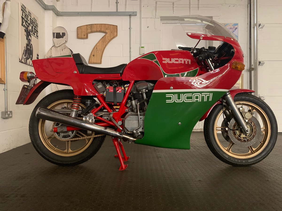 Ducati Mike Hailwood Replica 1981 For Sale (picture 1 of 6)