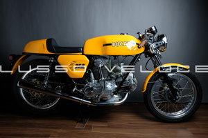 Stunning Ducati Sport roundcase 750 1973