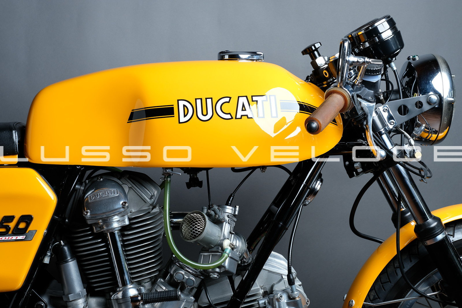 Stunning Ducati Sport roundcase 750 1973 For Sale (picture 5 of 6)