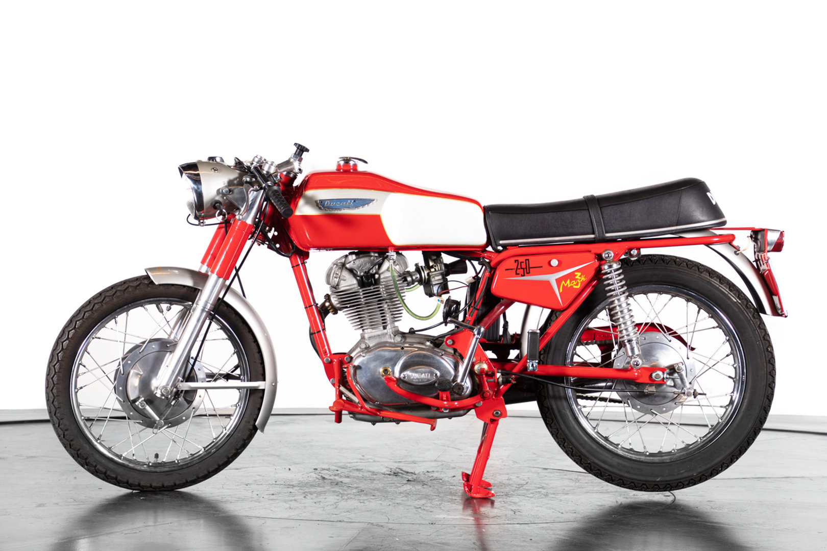 DUCATI - 250 - 1969 For Sale (picture 1 of 6)