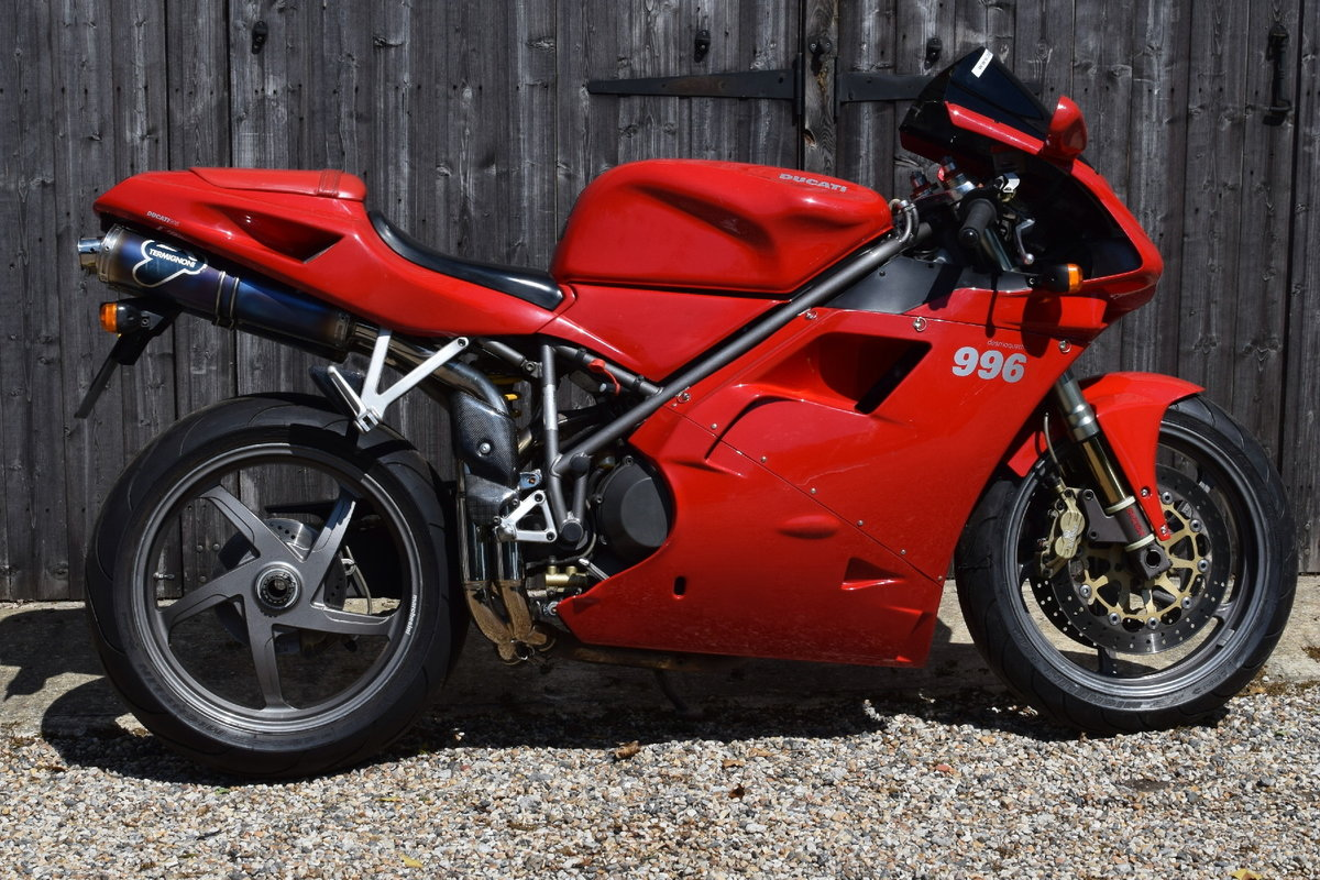 Ducati 996 BiPosto (20000 miles, Just had belts) 2000 W Reg SOLD (picture 2 of 6)