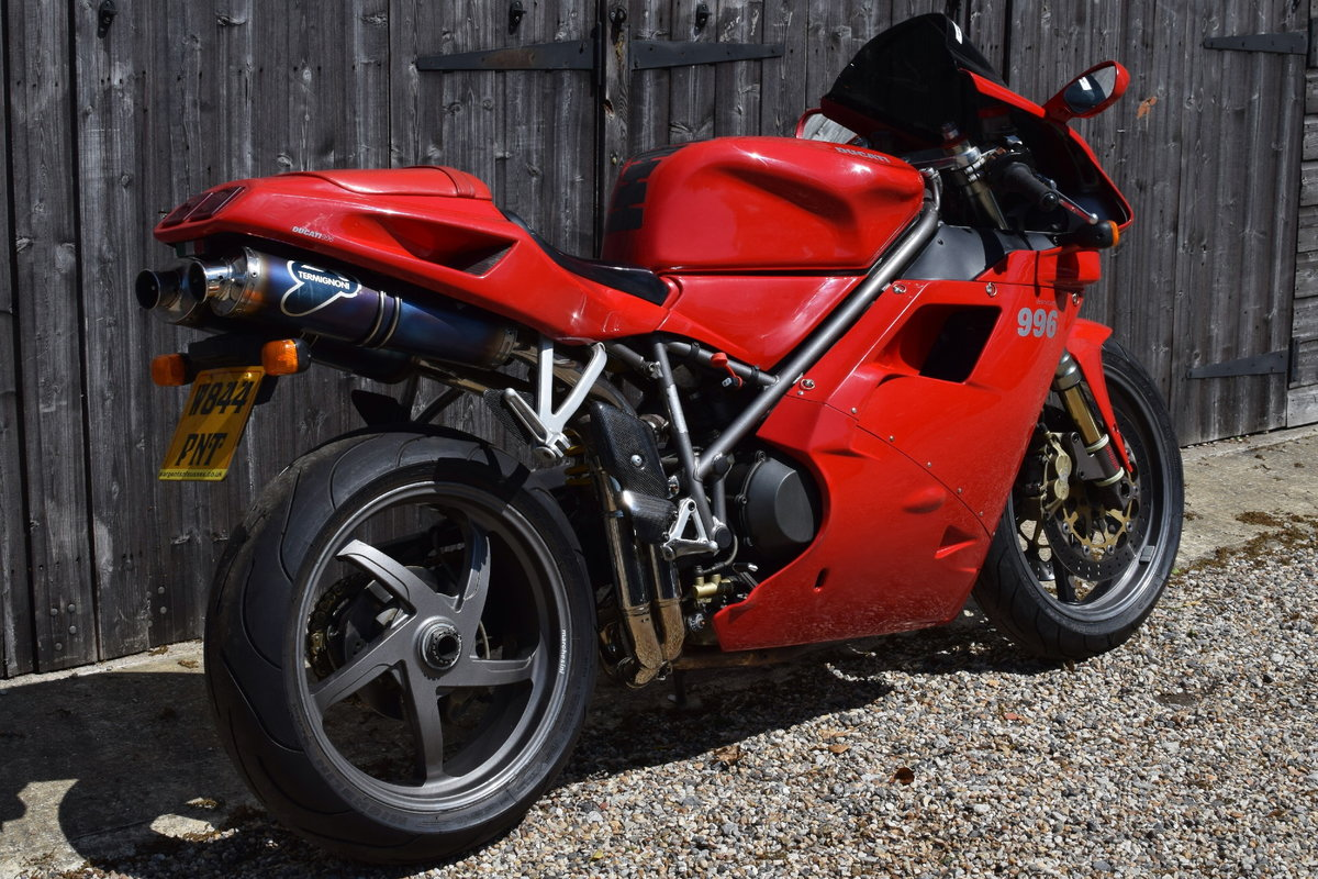 Ducati 996 BiPosto (20000 miles, Just had belts) 2000 W Reg SOLD (picture 3 of 6)