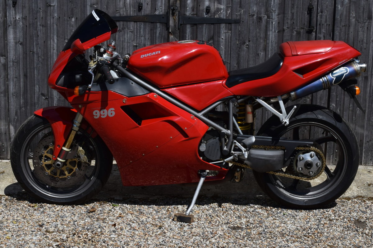 Ducati 996 BiPosto (20000 miles, Just had belts) 2000 W Reg SOLD (picture 5 of 6)