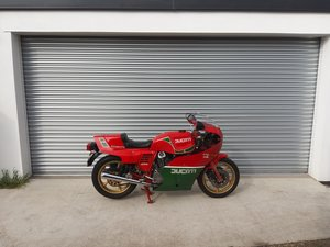 1986 Ducati 1,000CC MIKE HAILWOOD REPLICA