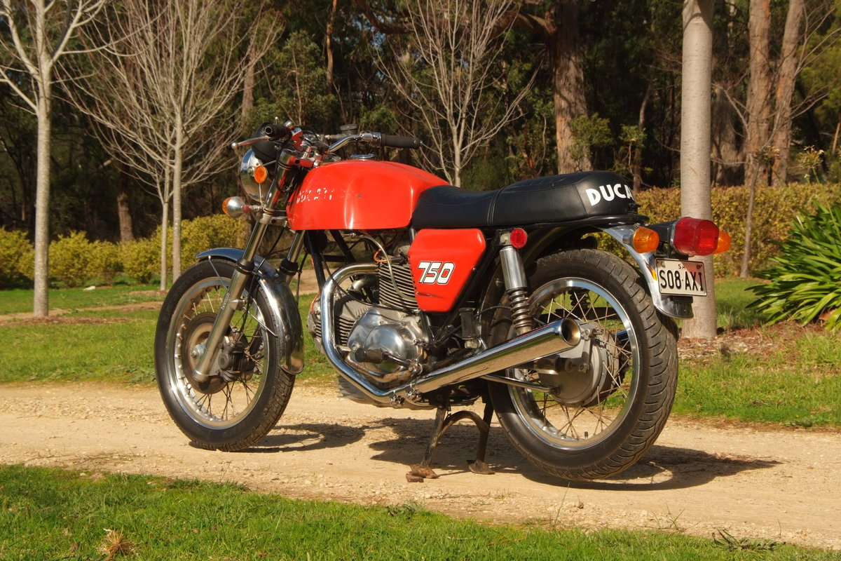 1972 Ducati 750GT  First production series. For Sale (picture 1 of 6)