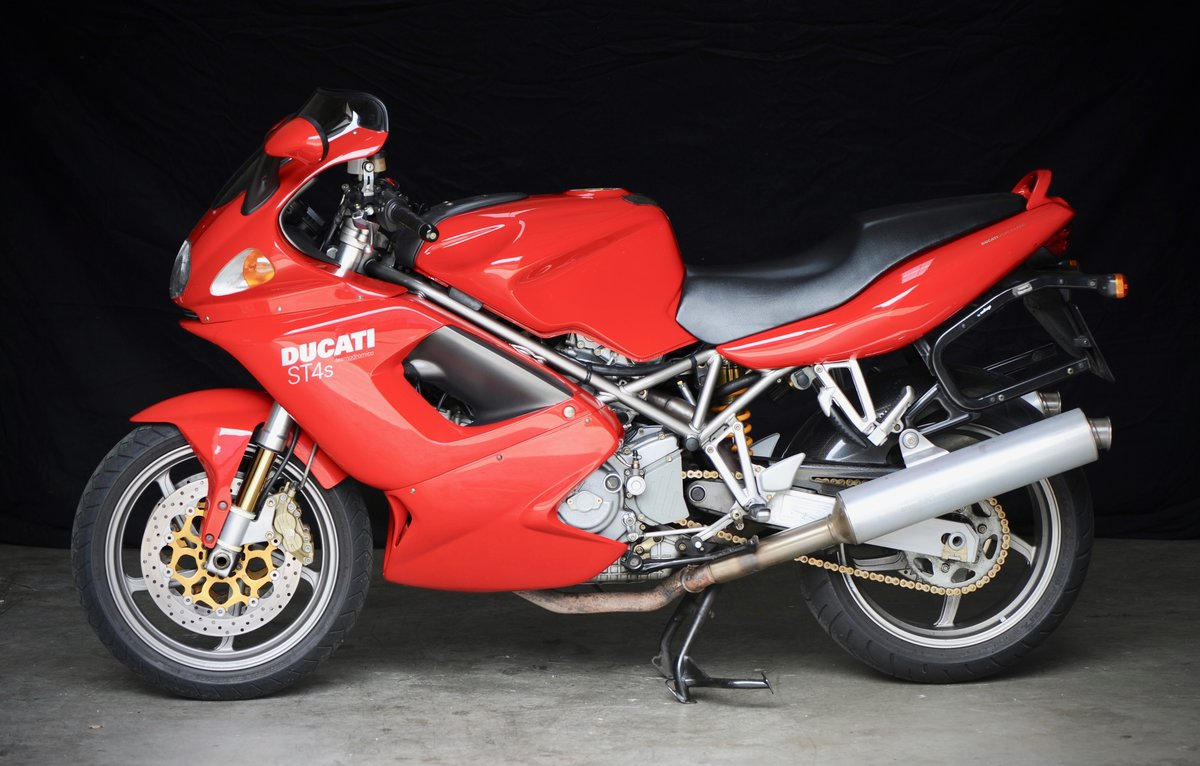 2002 Ducati ST4s in Excellent Original Condition SOLD (picture 1 of 6)