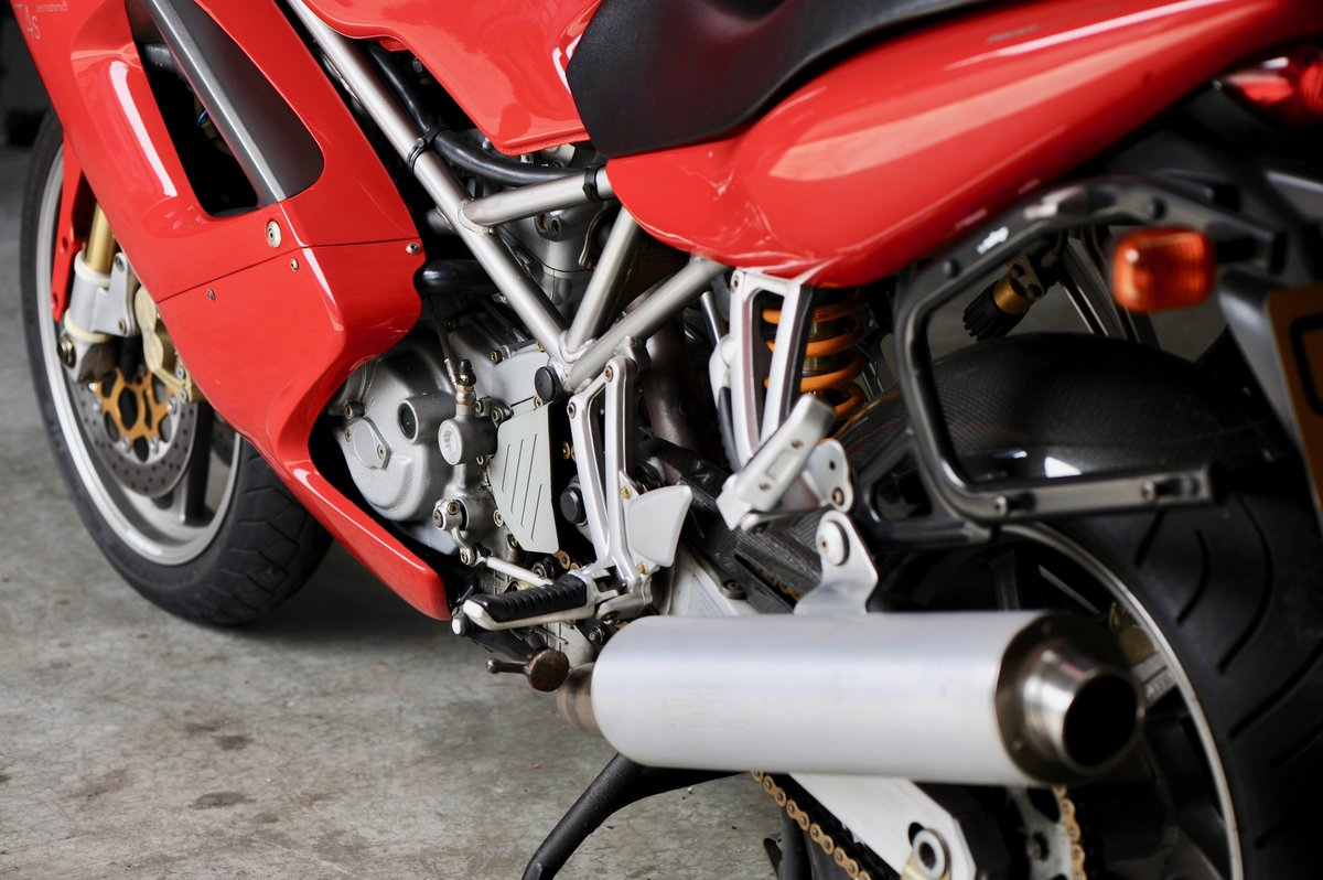 2002 Ducati ST4s in Excellent Original Condition SOLD (picture 2 of 6)