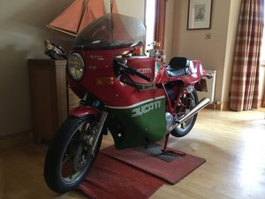 Picture of 1981 Mike Hailwood Replica