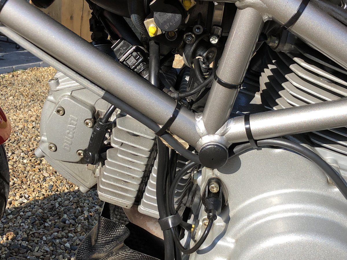 2003 Ducati Monster 620s ie For Sale (picture 2 of 6)