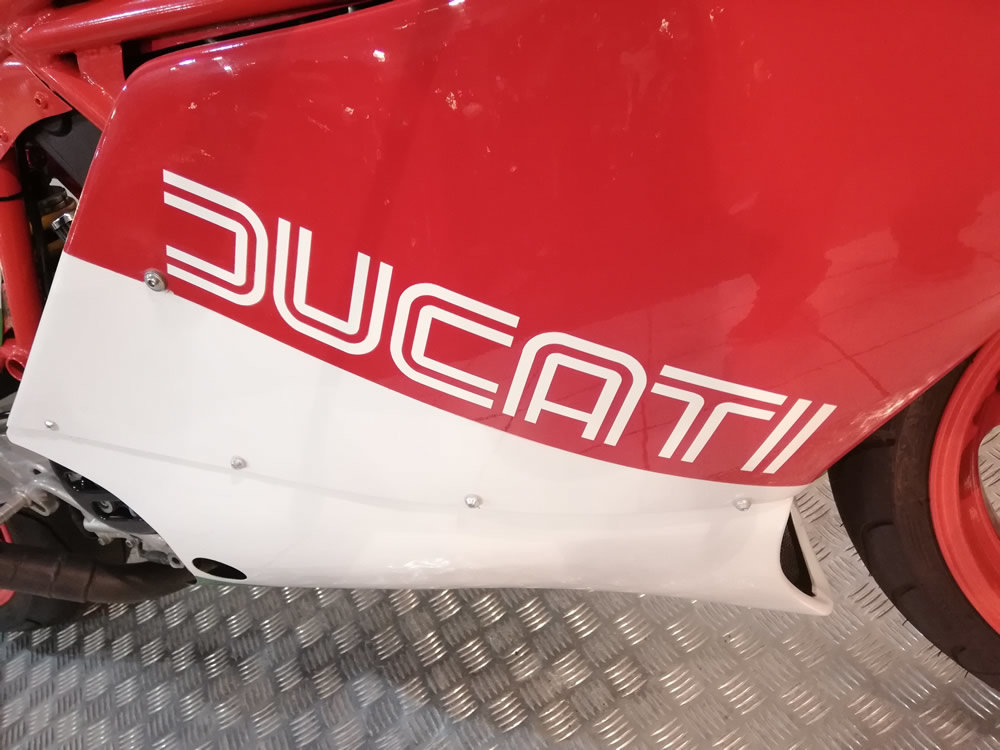 1990 Ducati TT900 FI Replica Special For Sale (picture 4 of 6)