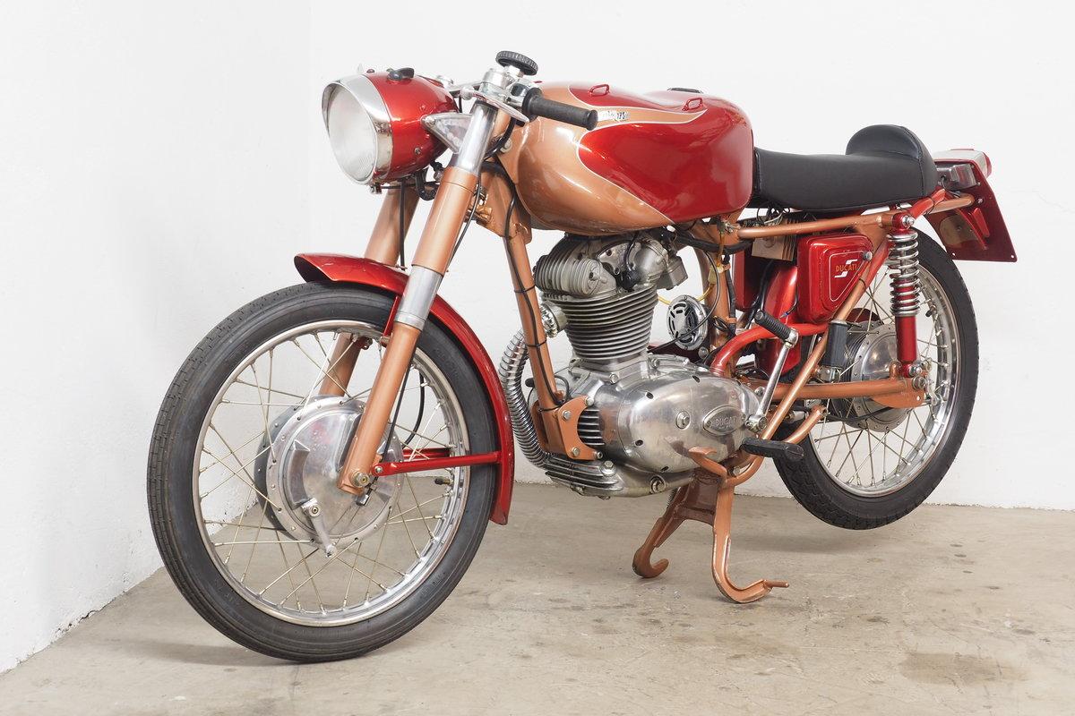 1960 Ducati 175 Elite SOLD (picture 2 of 6)