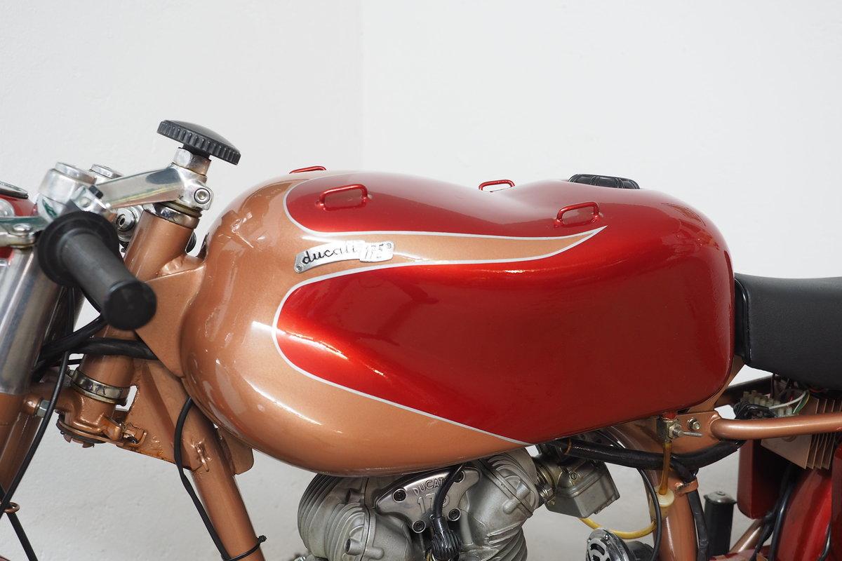 1960 Ducati 175 Elite SOLD (picture 4 of 6)