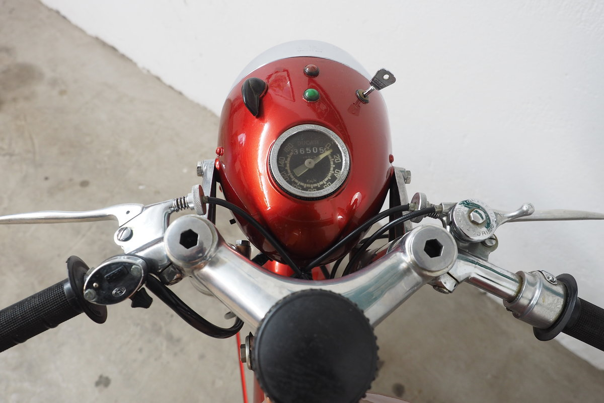 1960 Ducati 175 Elite SOLD (picture 5 of 6)