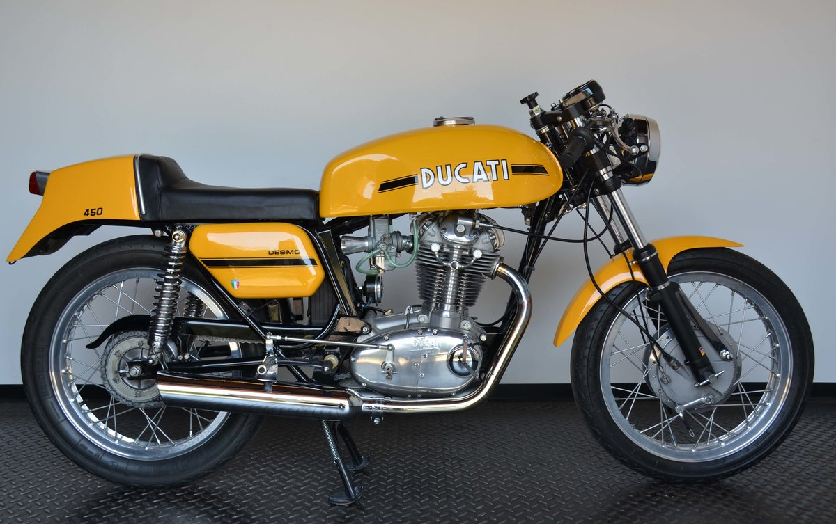 1973 Ducati 450 Desmo fantasic or nearly perfec For Sale (picture 1 of 10)