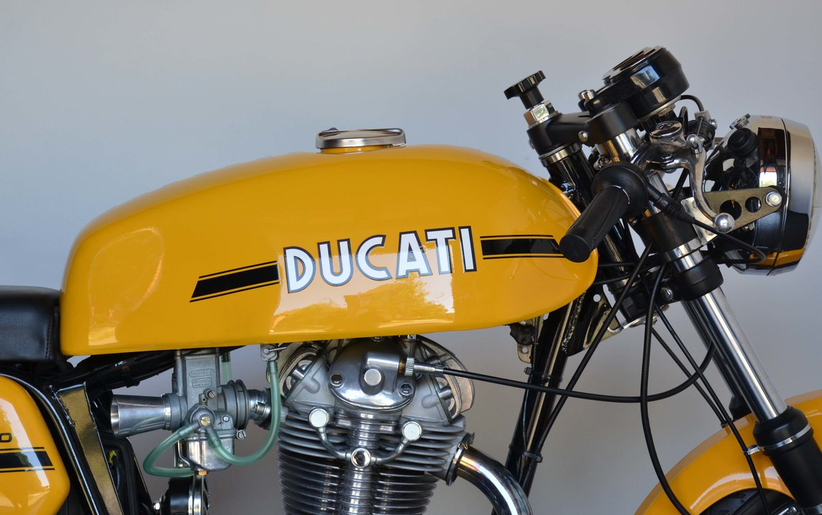 1973 Ducati 450 Desmo fantasic or nearly perfec For Sale (picture 3 of 10)