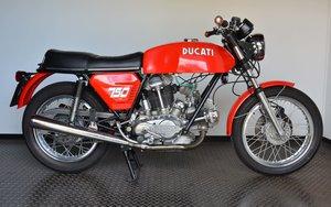 DUCATI • 750 GT