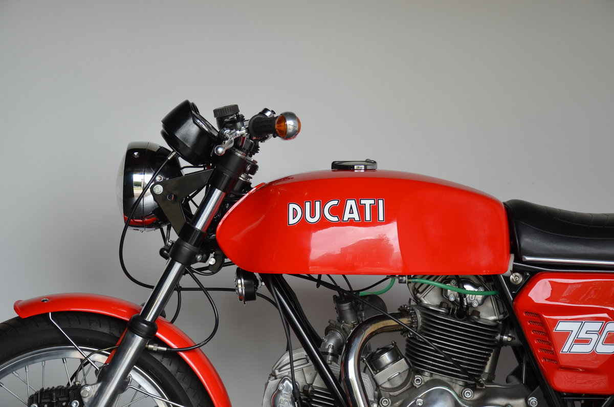 1974 DUCATI • 750 GT For Sale (picture 9 of 10)