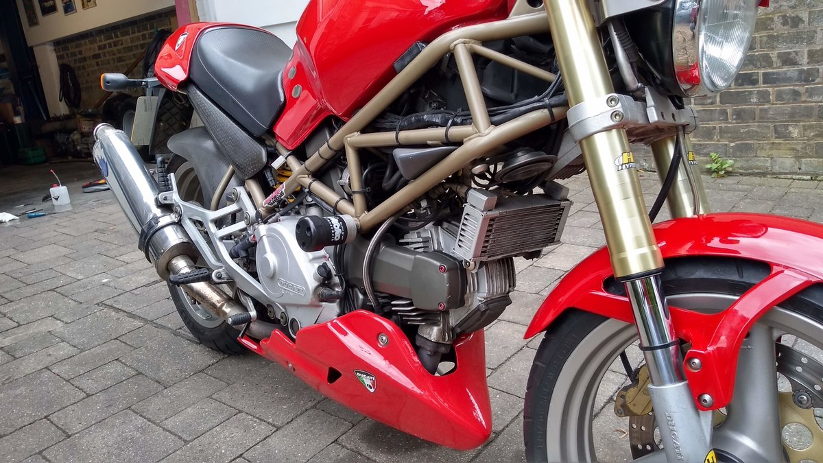1997 Ducati Monster M750 Low  mileage, loads of extras For Sale (picture 3 of 6)