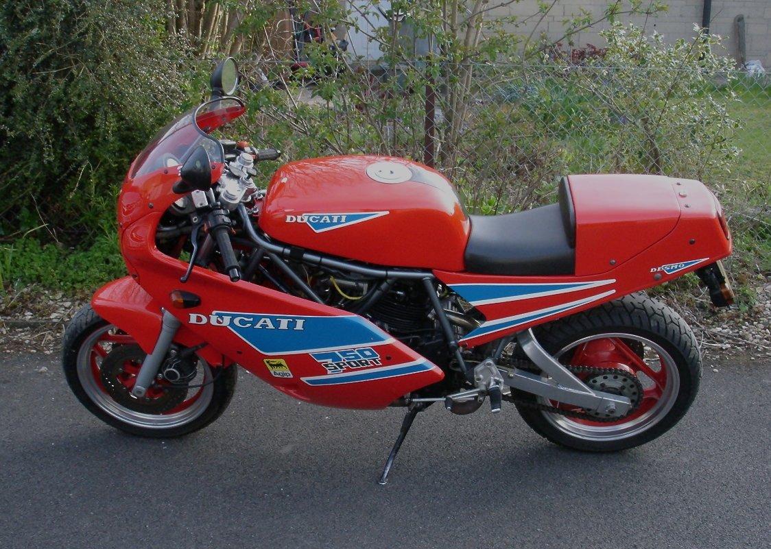 Ducati  750  Sport  -- Rare Model -- Made in 1988. For Sale (picture 2 of 2)