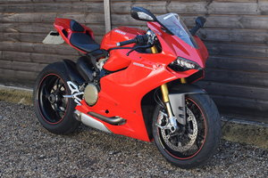 Picture of Ducati Panigale 1199S (11900 miles, Standard) 2012 12 Reg