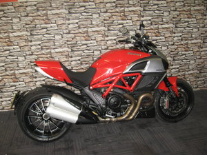 2011  61-reg Ducati Diavel 1200 finished in red