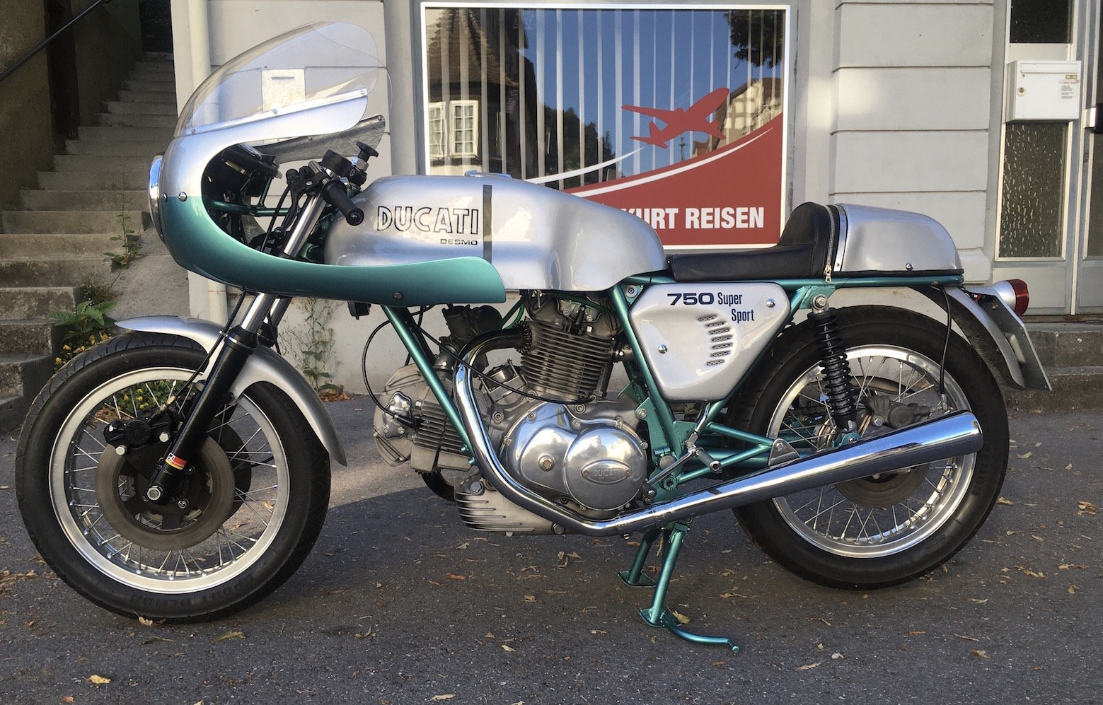 1974 Ducati 750 Supersport Desmo SOLD (picture 1 of 1)